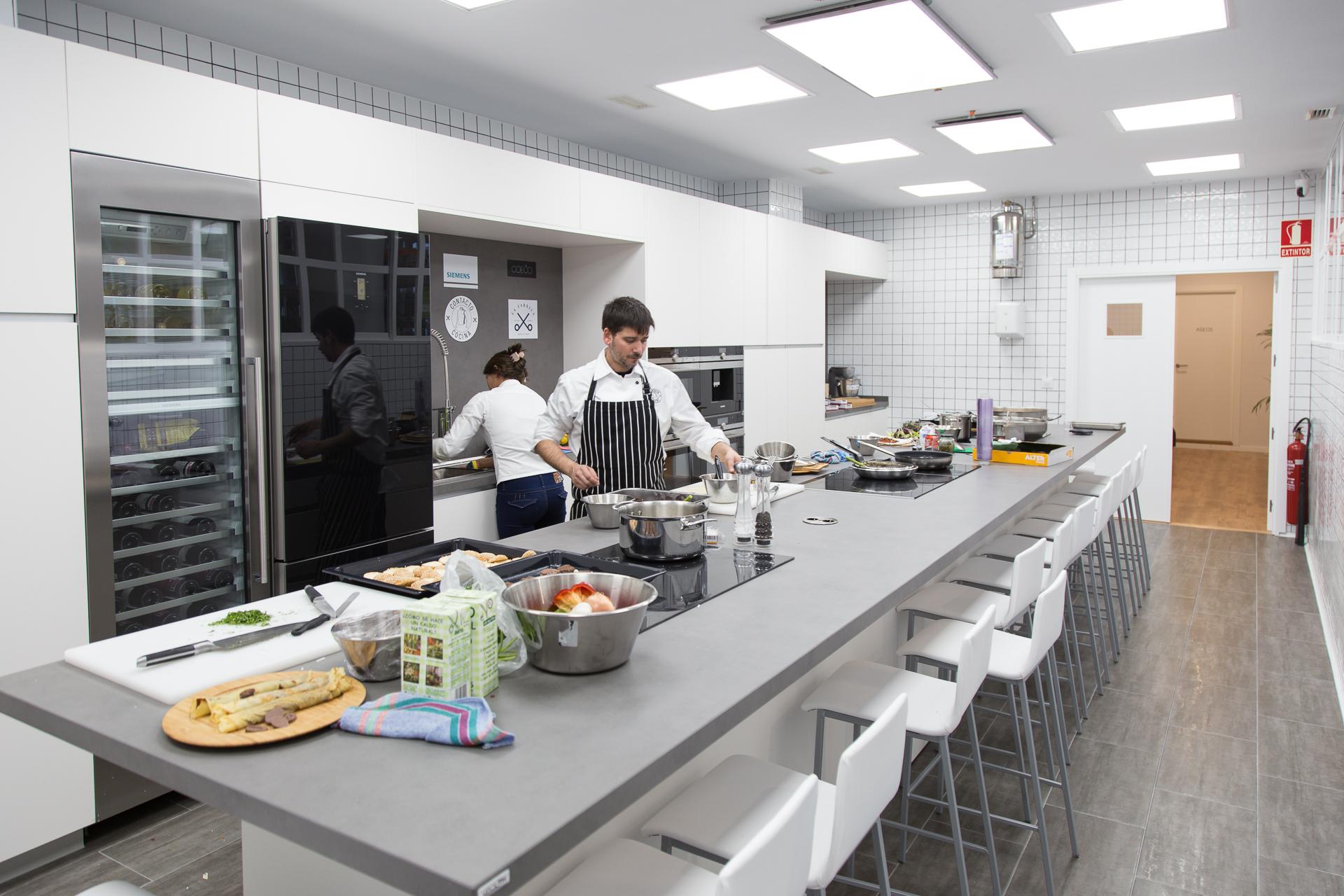 Escuela de cocina contacto cocina for Utillaje cocina